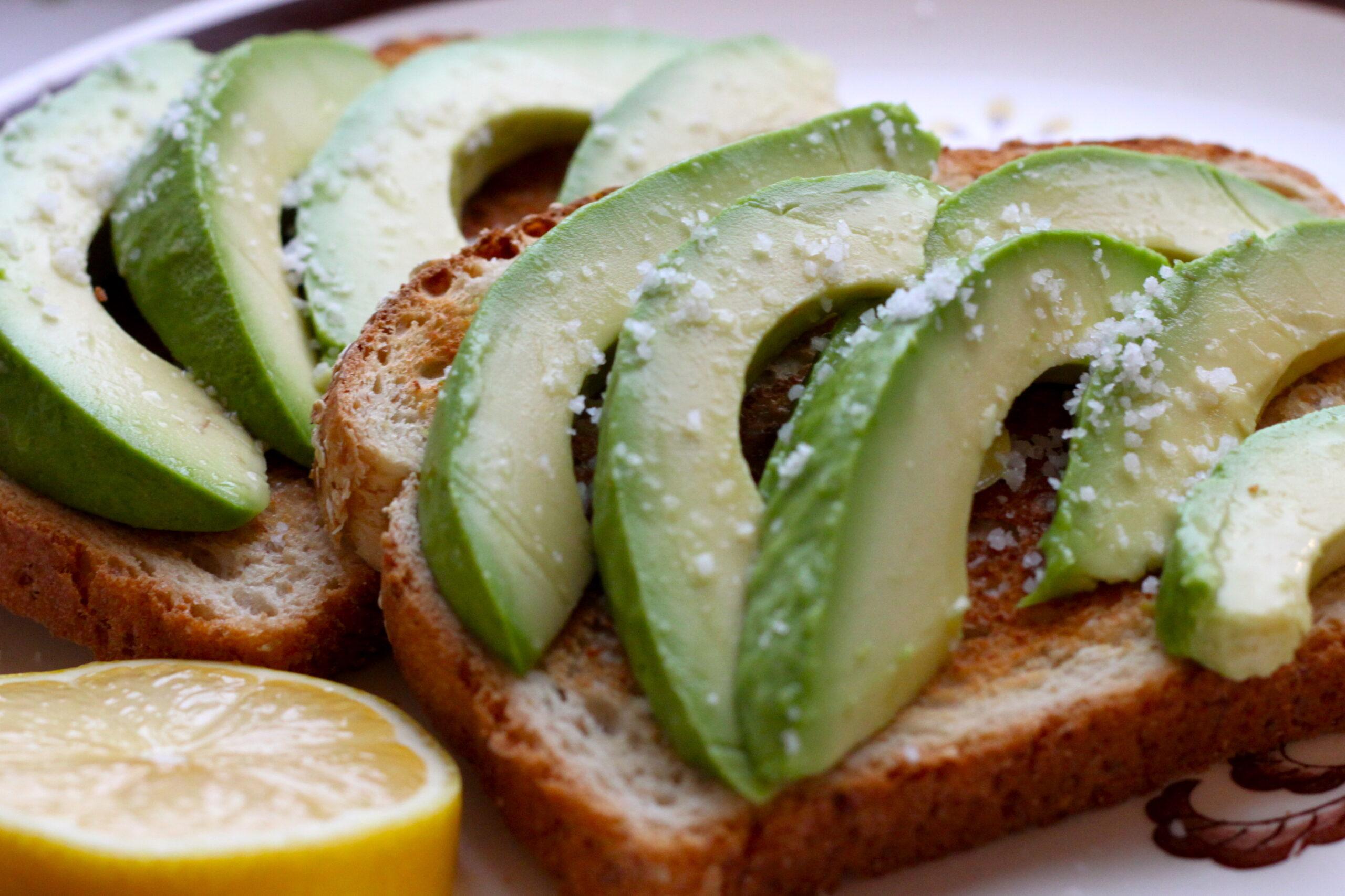 Avocado – sursa ta de sănătate şi frumuseţe