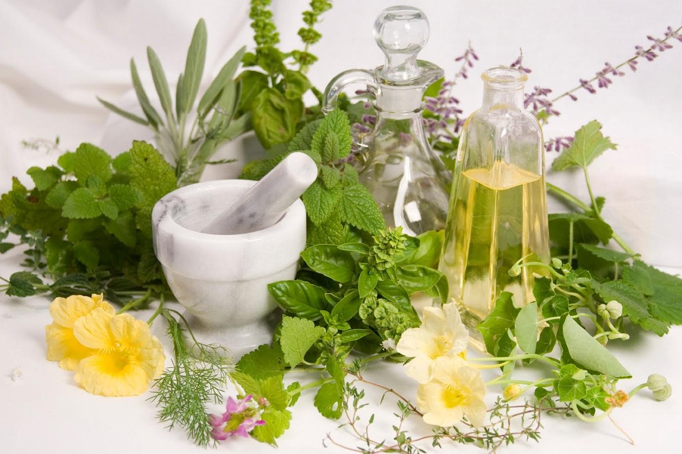 Remedii naturiste pentru păr