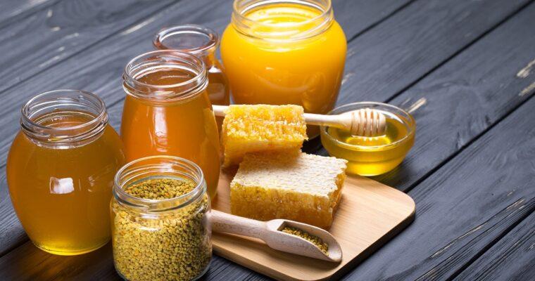 Consumul de miere de albine alungă răcelile
