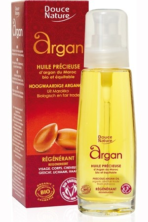 Uleiul de argan – lichidul de aur care întinereşte pielea