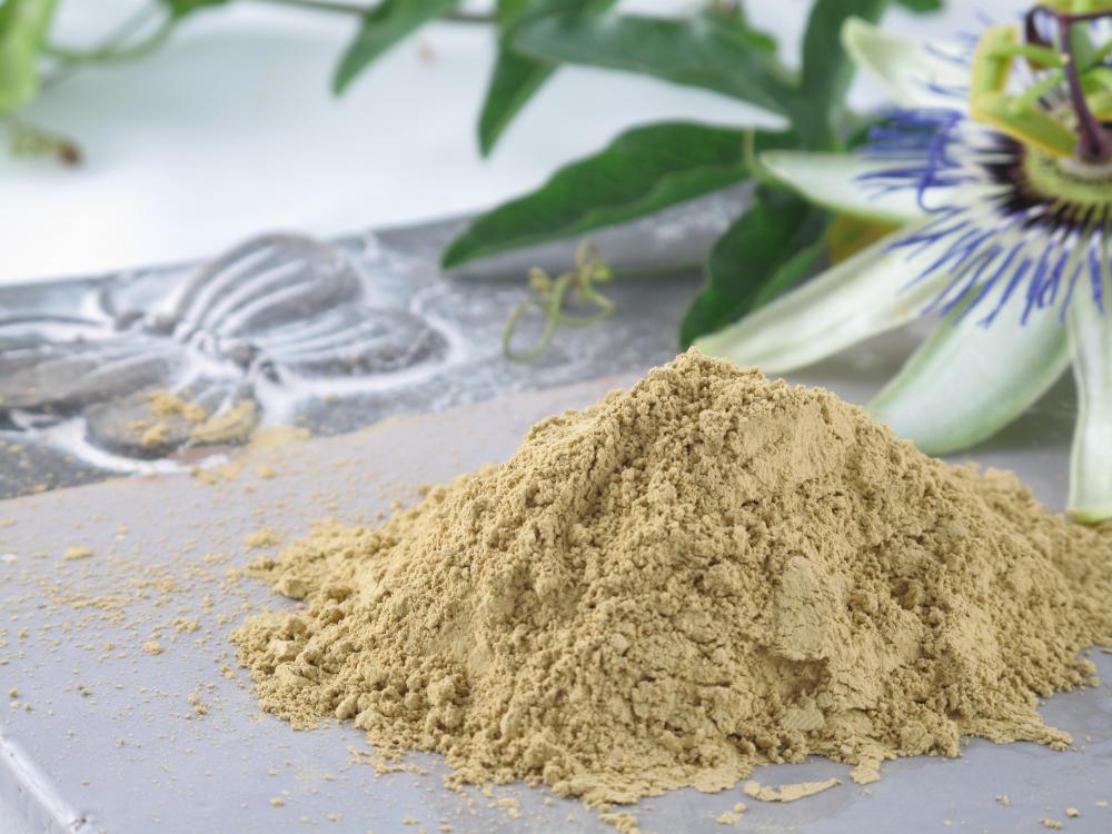 Masca de argila galbenă – exfoliant pentru tenul mixt şi tenul gras