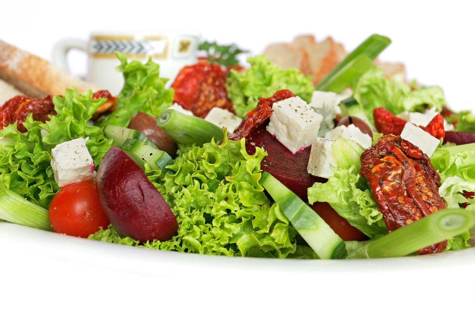 Salata verde – ingredientul secret în curele de slăbire
