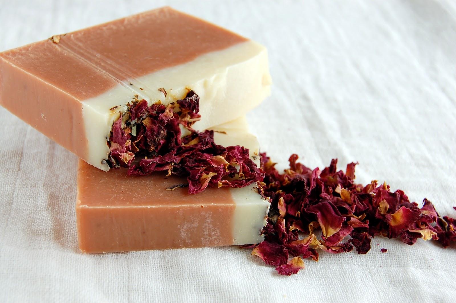 Masca de argila roşie, calmant pentru pielea inflamată