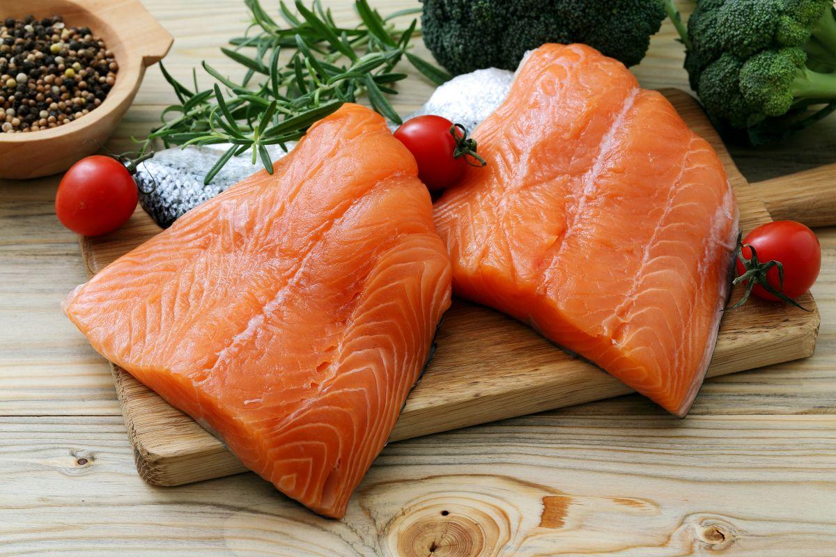 Somonul – peştele care vă menţine organismul sănătos