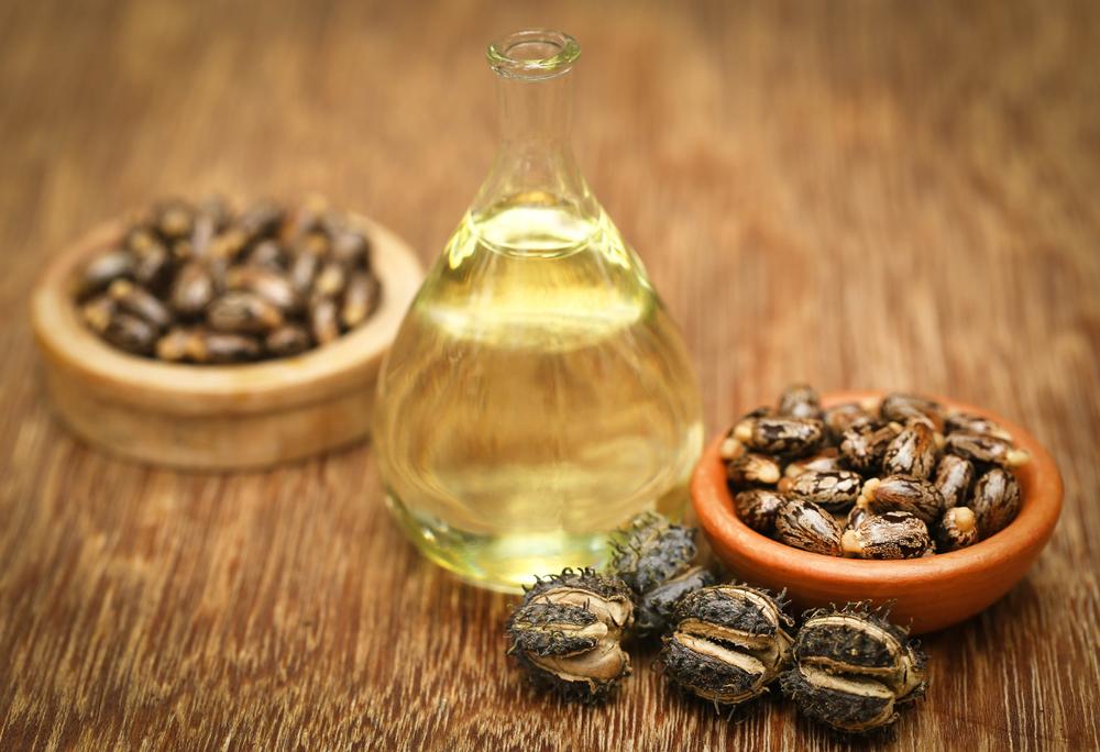 Încearcă uleiul de ricin împotriva căderii părului!