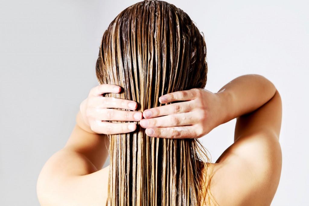 Măşti naturale care previn căderea părului