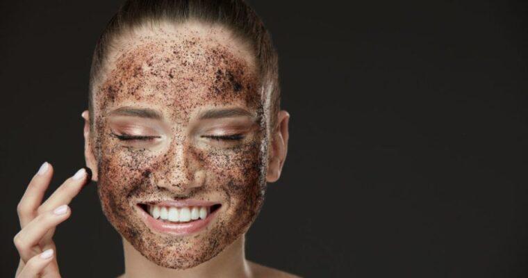 Tu când ți-ai făcut ultima dată un gomaj facial?