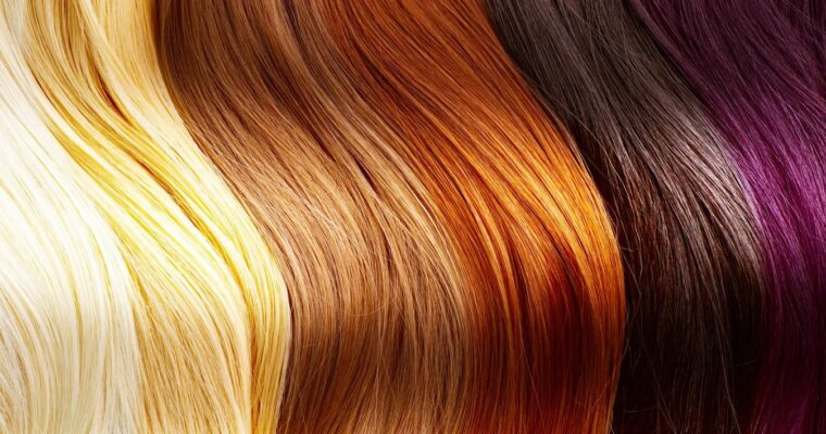 Un alint pentru păr: vopsea naturală care acoperă cu succes firele albe