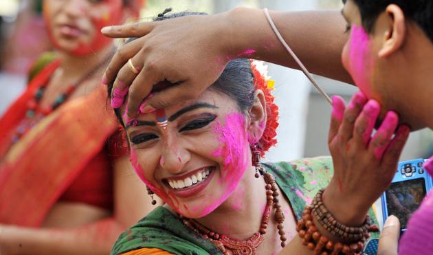 Festivalul culorilor Holi in India