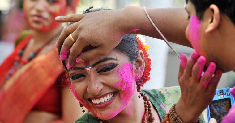 HOLI – Festivalul culorilor in India